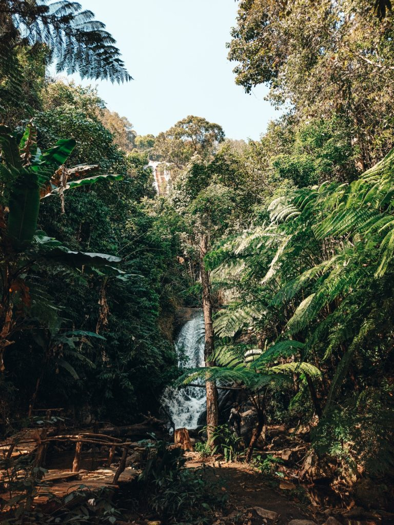Siribhume Falls en el Parque Nacional Doi Inthanon, Tailandia