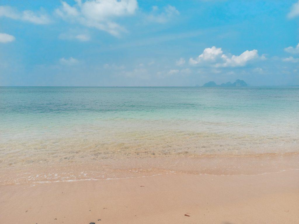 Ao Lo Dang Beach, la mejor playa de Koh Mook