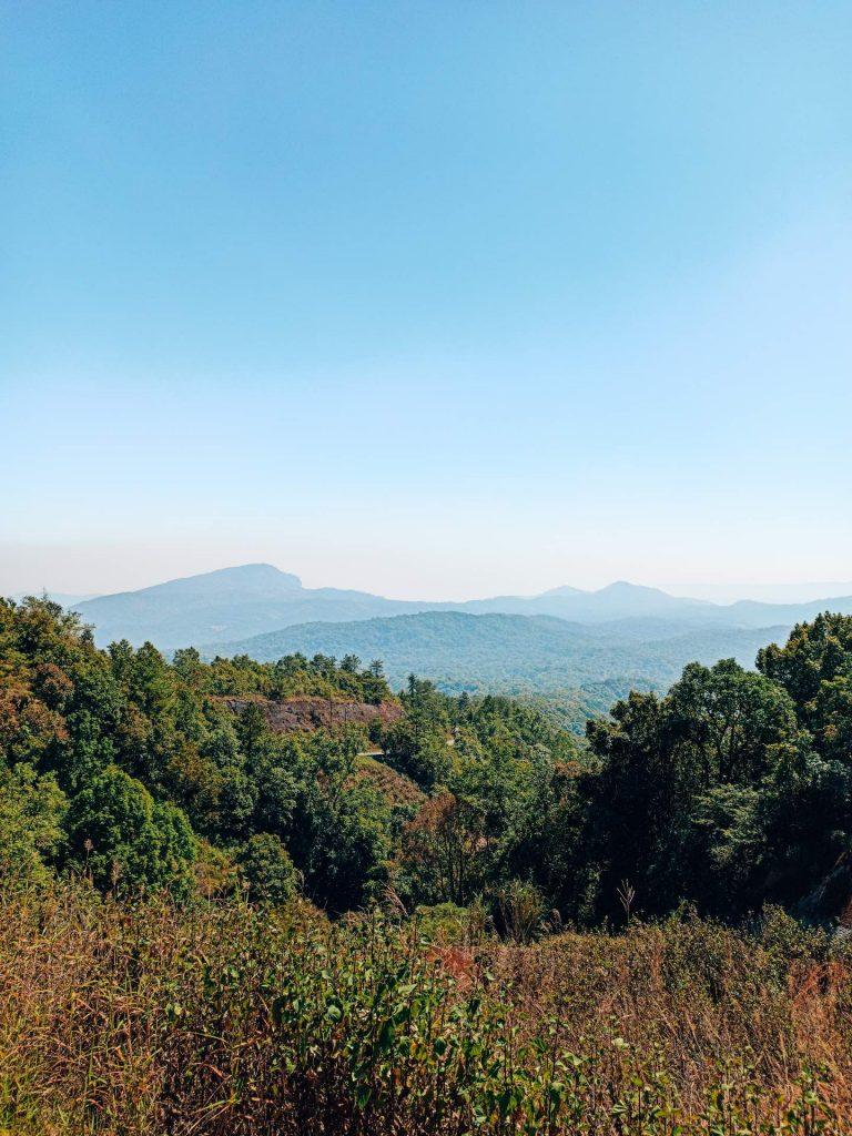 El punto más alto de Tailandia en el Parque Nacional Doi Inthanon