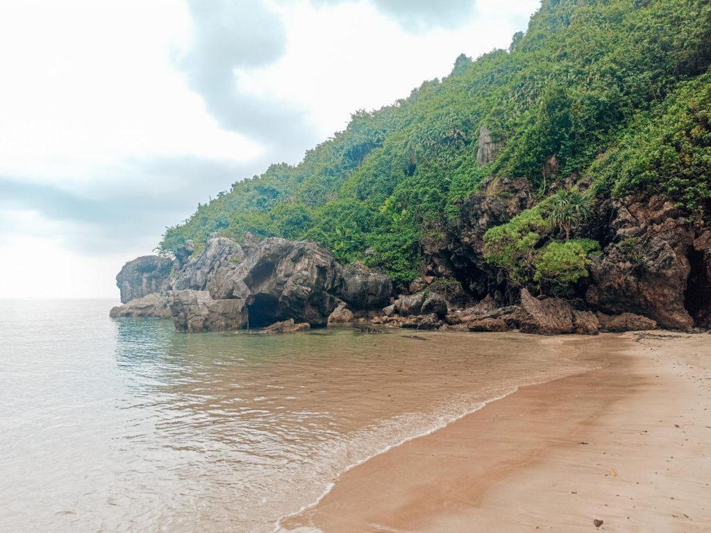Sabai Beach, una playa escondida en Koh Mook