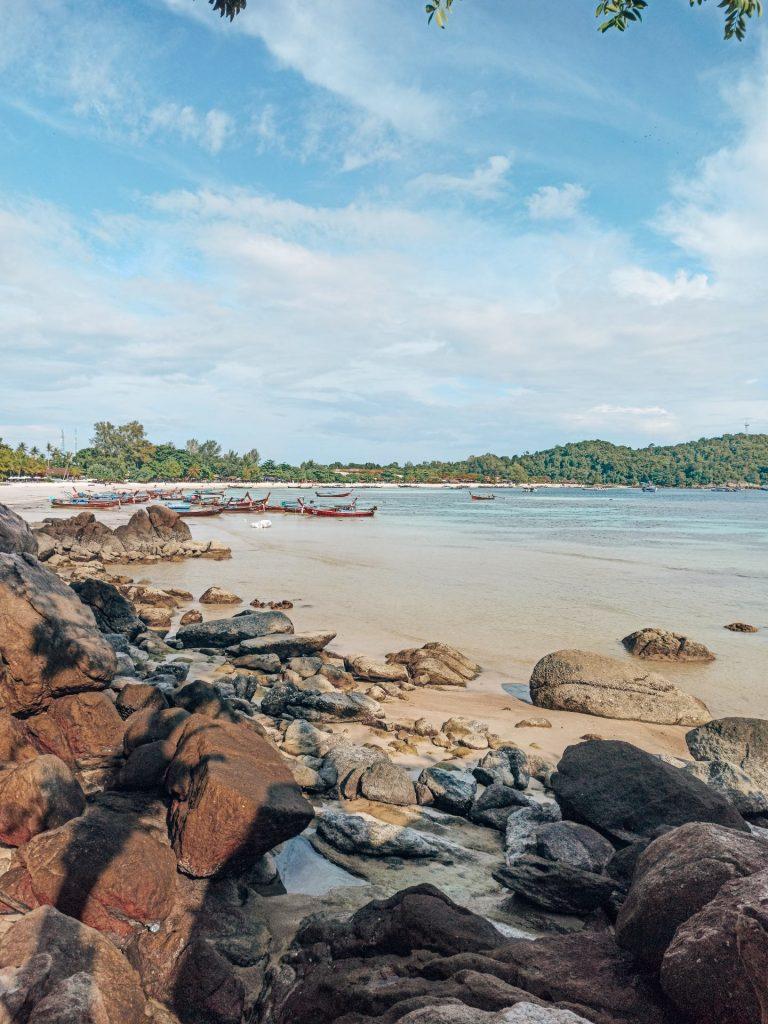 De camino a Sanom Beach, una playa escondida en Koh Lipe