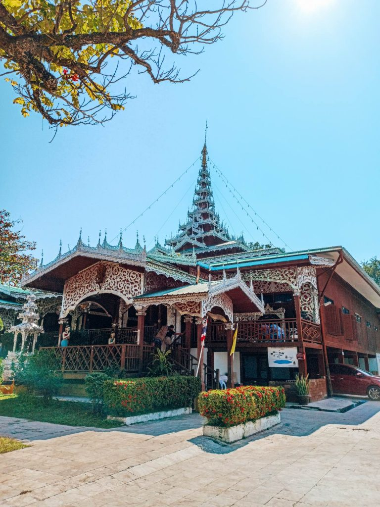 Wat Chong Kham, una visita imprescindible en Mae Hong Son