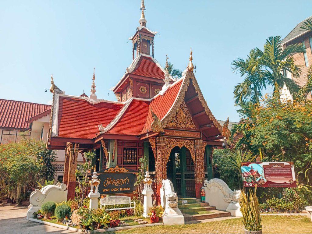 Wat Dok Kham, un templo único que ver en Chiang Mai