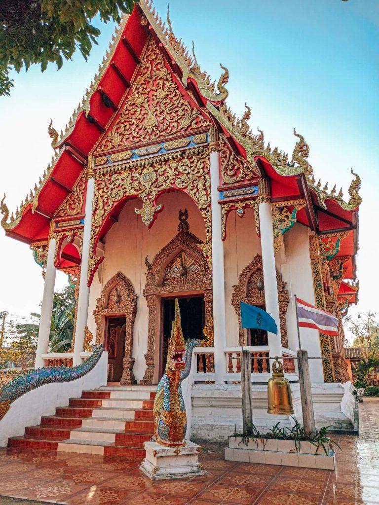 Wat Kittiwong, un templo precioso que ver en Mae Sariang