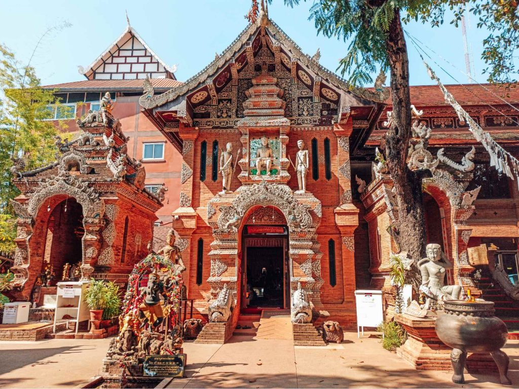 Wat Lok Moli, un templo precioso que ver en Chiang Mai