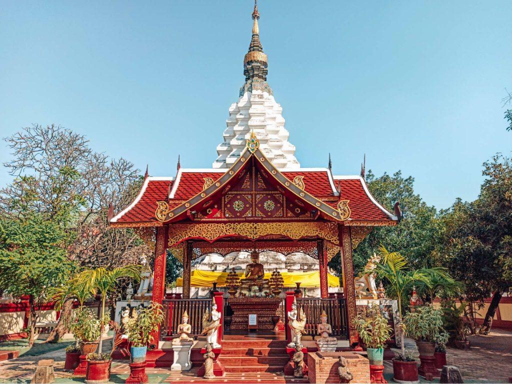 Wat Muentoom, un templo súper colorido que ver en Chiang Mai