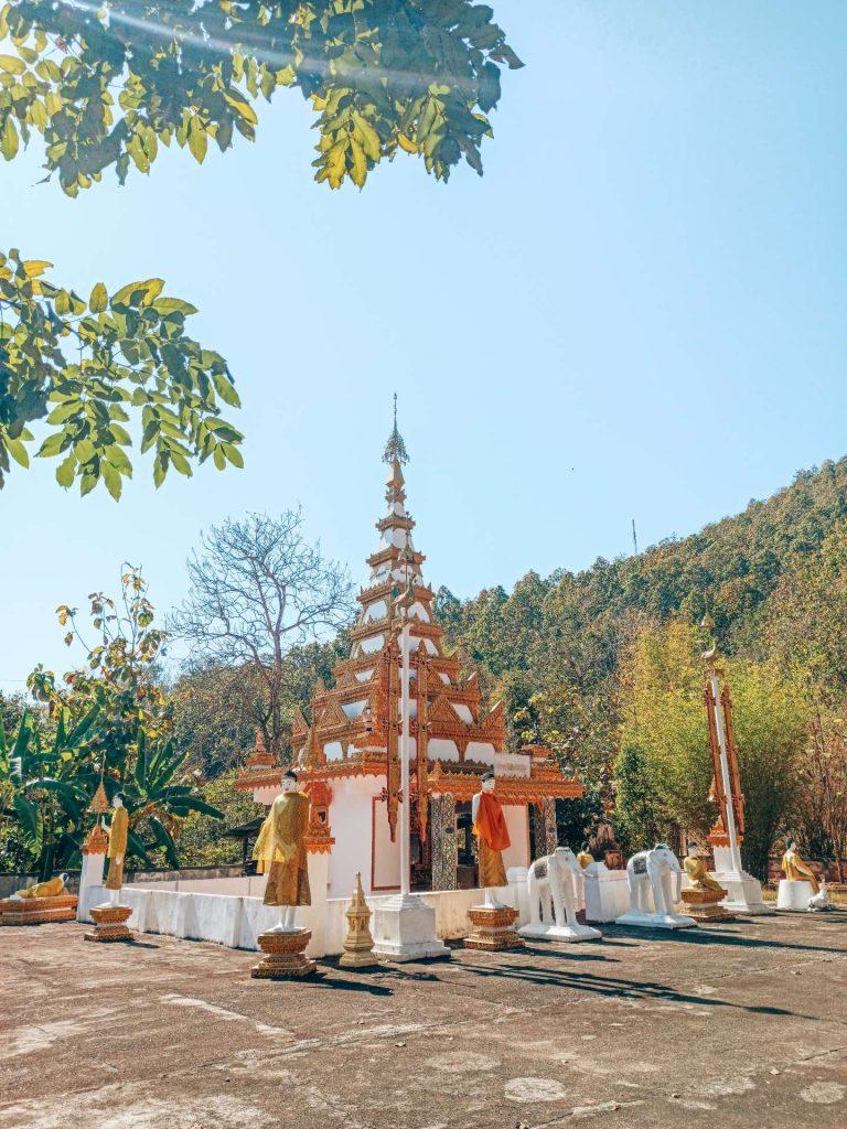 Wat Phra Non, un templo precioso que ver en Mae Hong Son