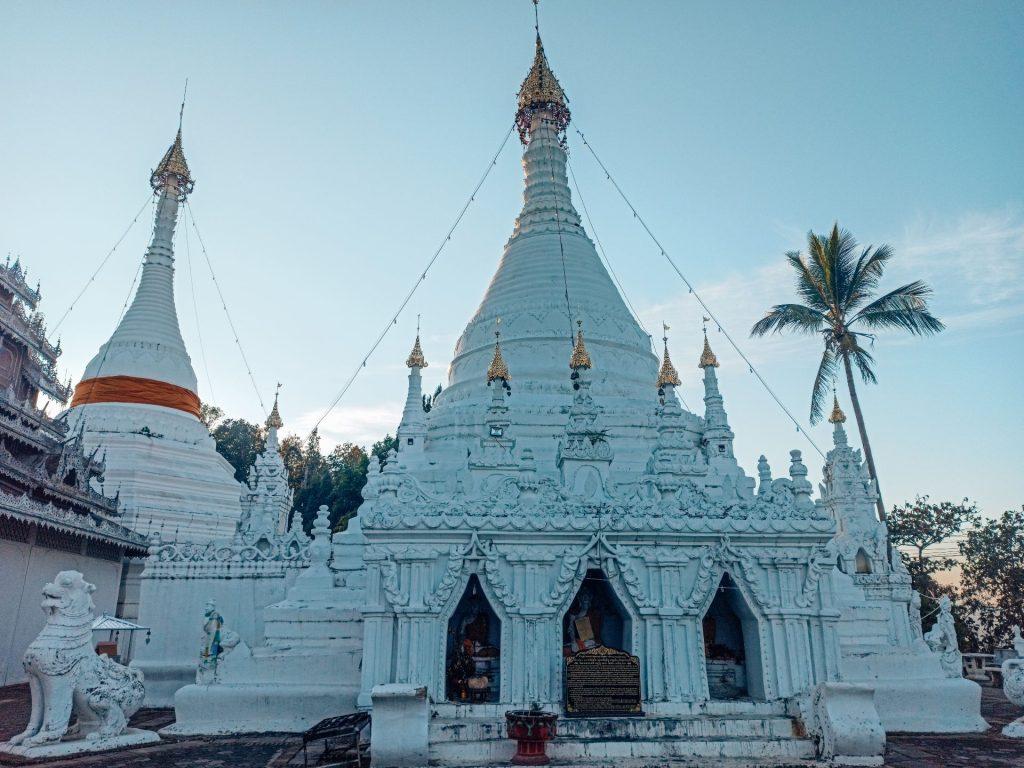 Wat Phra That, el templo con las mejores vistas de Mae Hong Son