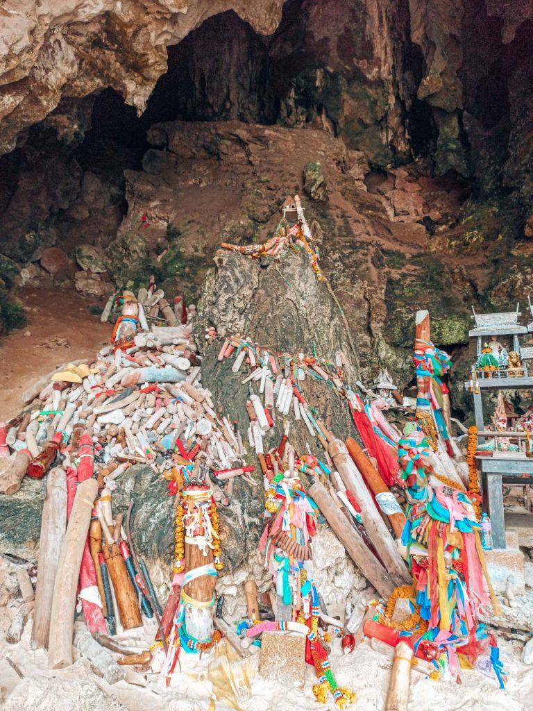 Phra Nang Cave, las cuevas más famosas de Railay, Krabi