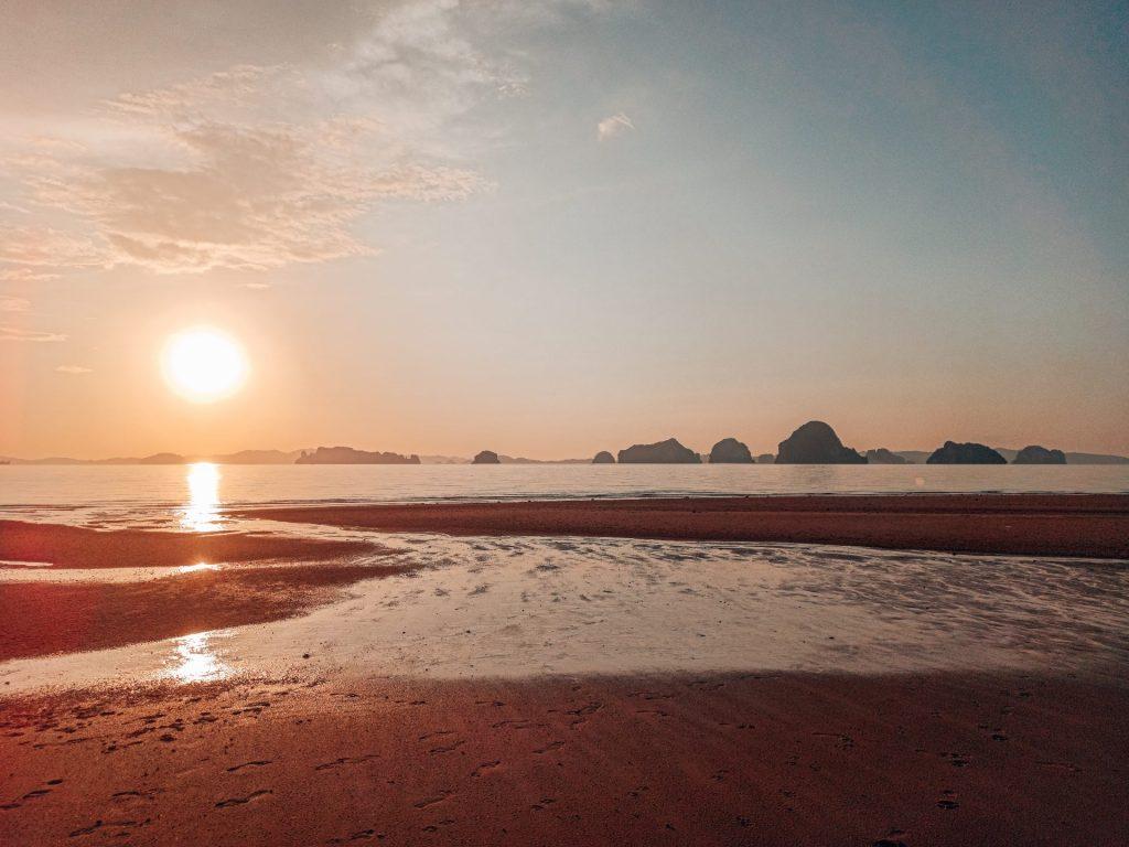 Tubkaek Beach, una playa con vistas a las Hong Islands
