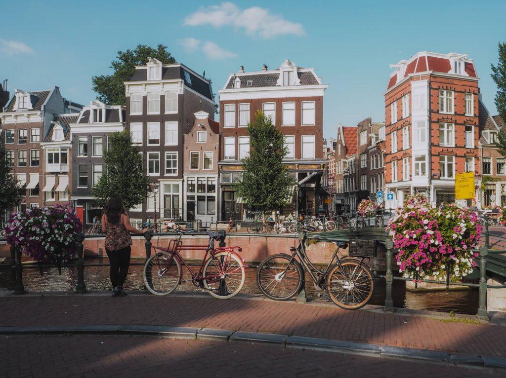 Paseo por los canales de Ámsterdam